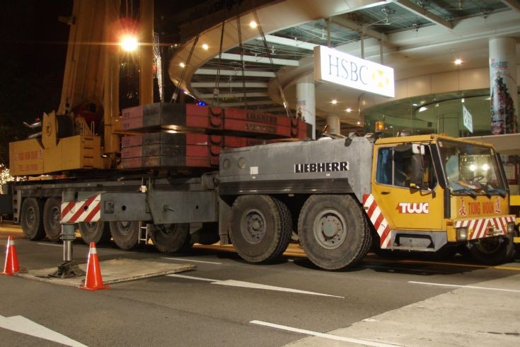Tiong Woon Liebherr 300T Crane, Orchard Road, Singapore