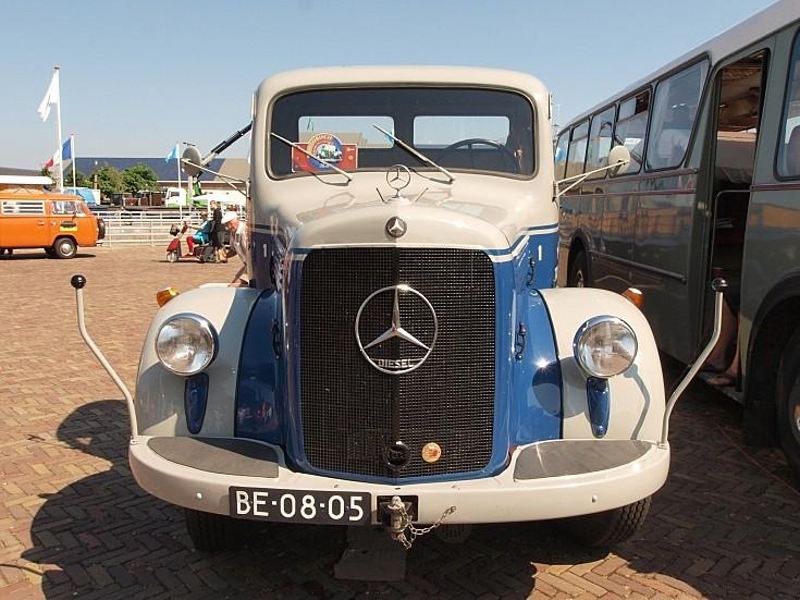 Mercedes-Benz LS312/36 (1960) registration BE-08-05 at 'Historisch Weekeind Den Helder'