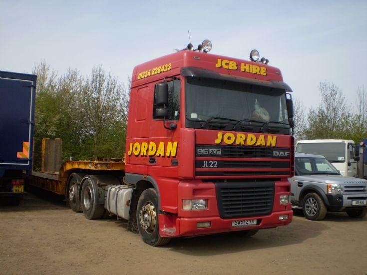 2001 Jordan JCB Hire DAF 95Xf 6x2 tractor unit & step frame