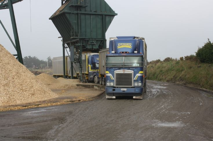 pair of Dixon Transport Kenworths at Awarua chip mill