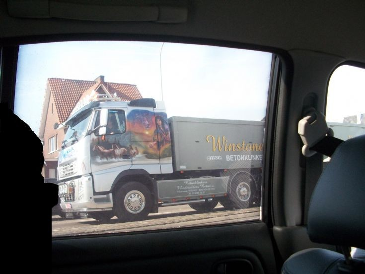 Winstones Volvo - fancy paint job