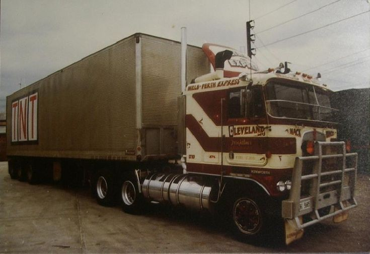 Truck Photos - Cab Over Kenworth Perth Express