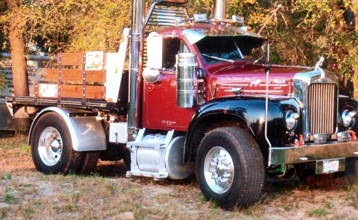 Truck Photos - Customised Mack Pickup Truck