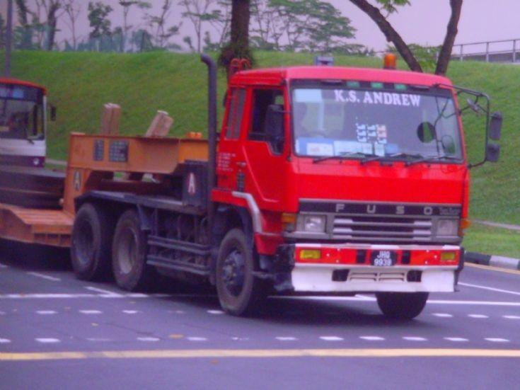 Mitsubishi Fuso Great 3-Axle FV414J Tractor
