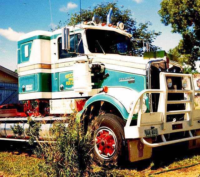 Kenworth W900 'SAR'