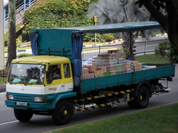 Mitsubishi  Fuso Fighter FM417 Cargo Truck