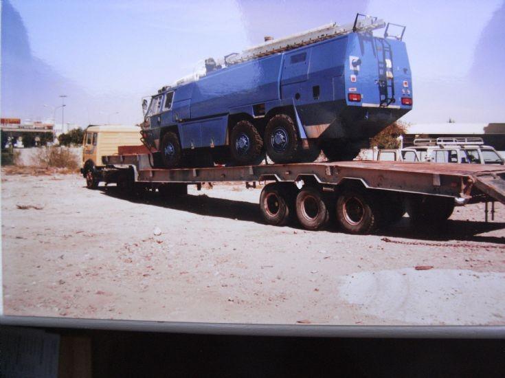 Truck photos mercedes benz truck saudi arabia for Mercedes benz saudi arabia