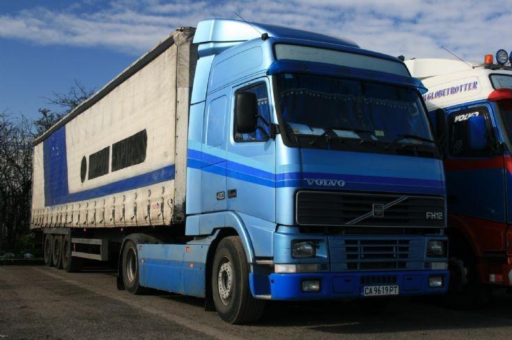 Volvo FH12 420 in Lincolnshire