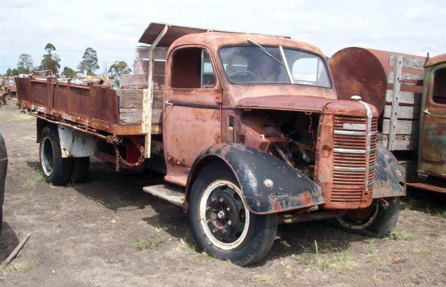 Bedford O Model in Wrecking Yard