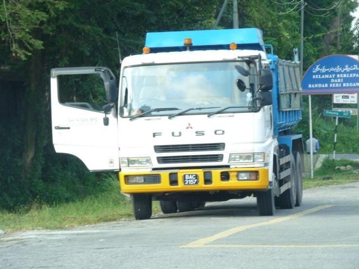 New Fuso dump truck