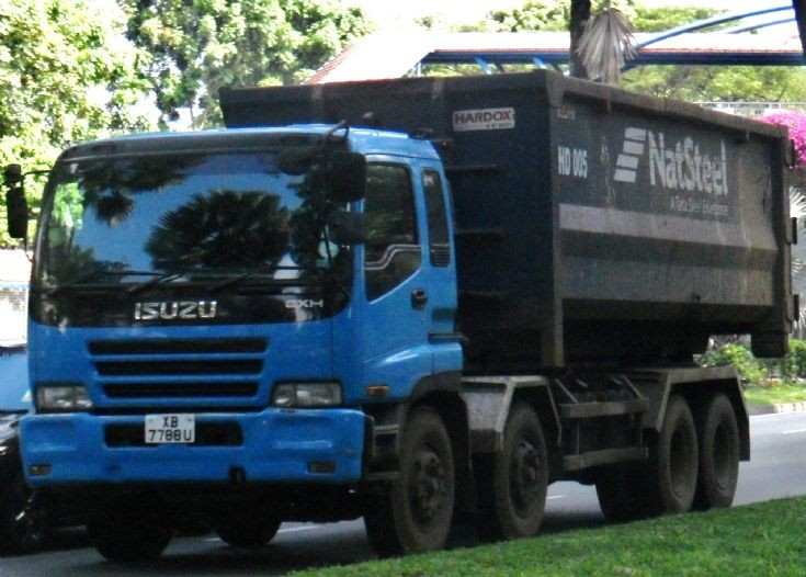NatSteel Holdings Pte Ltd Isuzu Giga CXH 4-Axle  Hook Lift Truck