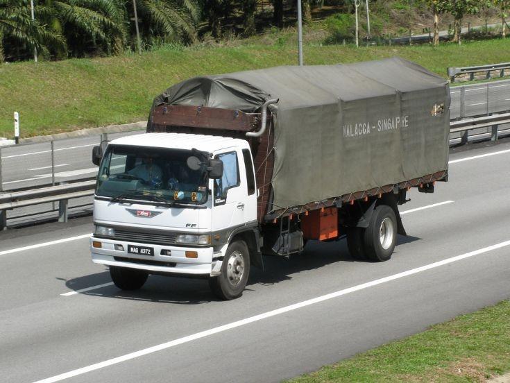 Hino FF Super Ranger (MAG 4372)