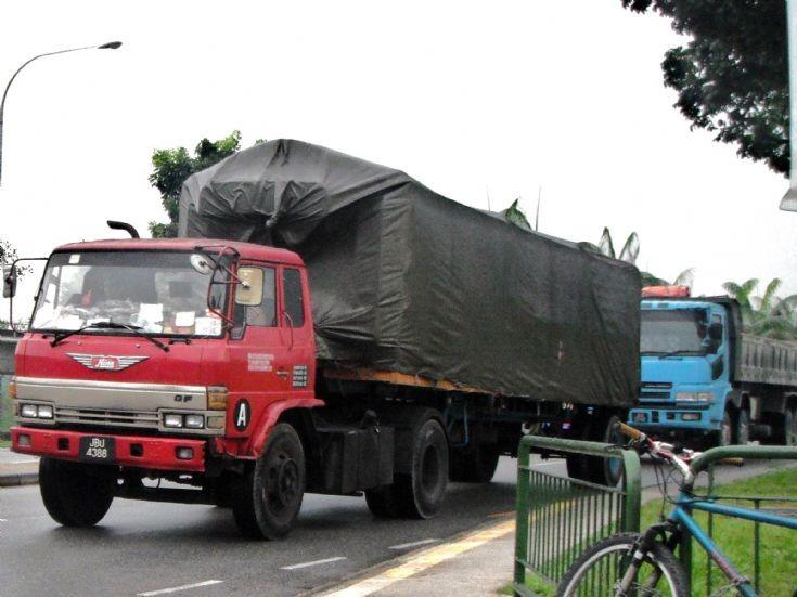 Hino Ranger GF Tractor