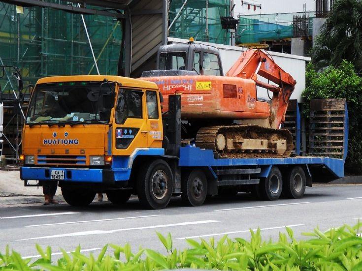 Hua Tiong (Asia) Mitsubishi Fuso Great FS411 4-Axle Self Loader Truck