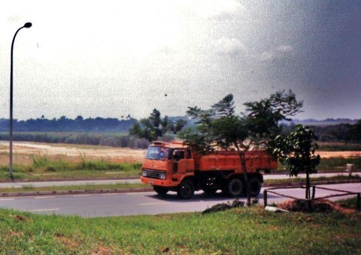 1980s Isuzu V8SS Dump Truck