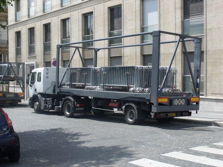 Renault transport truck of police.